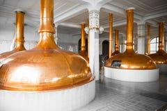 Un interno di costruzione della fabbrica di birra Fotografia Stock Libera da Diritti