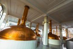 Un interno di costruzione della fabbrica di birra Immagine Stock