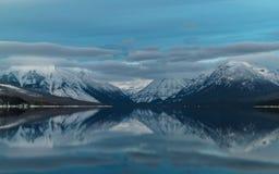 Un invierno en Parque Nacional Glacier Fotos de archivo