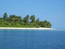 Un'isola tropicale nei Maldives Fotografie Stock Libere da Diritti