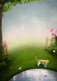 Un jardín hermoso con una charca, un gatito y la mota Fotos de archivo libres de regalías