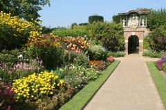 Un jardin anglais de pays Photo libre de droits