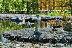 Un jardin dans le style japonais Photos libres de droits
