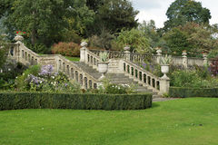 Un jardín ajardinado formal inglés Imagen de archivo