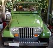 Un jeep recientemente pintado en el Caribe Foto de archivo libre de regalías