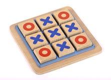 Un jeu en bois d'orteil de tac de tic images stock