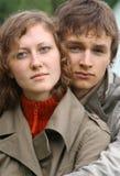 Un jeune couple photo stock