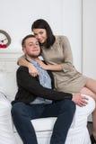 Un jeune couple attrayant Peut-être style d'affaires ou un couple dans l'amour Photographie stock libre de droits