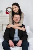 Un jeune couple attrayant Peut-être style d'affaires ou un couple dans l'amour Photos libres de droits