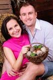 Un jeune couple dans l'amour Images libres de droits