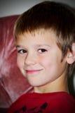 Un jeune garçon de la préadolescence Photo stock