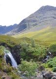 Un jour ensoleillé brillant aux piscines féeriques, île de Skye, Ecosse photographie stock