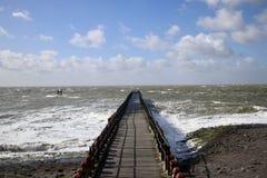 Un jour orageux en mer photographie stock libre de droits