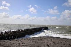 Un jour orageux en mer photos libres de droits