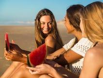 Un jour sur la plage Photos libres de droits