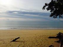 Un jour tranquille par la plage Photo libre de droits