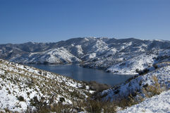 Un lac de l'horaire d'hiver Images stock