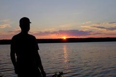 Un lac ontario au coucher du soleil Photographie stock libre de droits