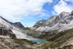 Un lac sur le plateau du Thibet Photo libre de droits