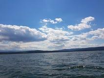 Un lago Fotografie Stock Libere da Diritti
