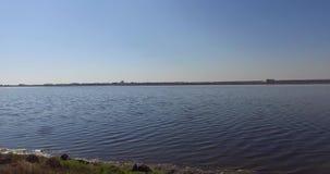 Un lago de sal grande en Pomorie, Bulgaria metrajes