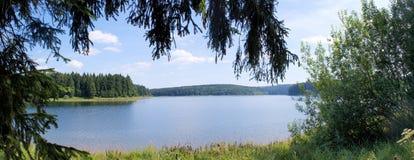 Un lago della diga nel Erzgebirge Fotografia Stock Libera da Diritti