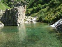 Un lago nelle montagne alpine della Svizzera, Unterstock, Urbachtal Fotografie Stock