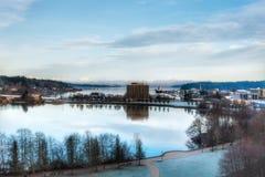 Un lago in Olympia Washington un chiaro giorno dell'autunno immagine stock libera da diritti