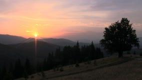 Un lapso de tiempo de una puesta del sol almacen de metraje de vídeo