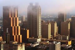 Un lever de soleil brumeux d'Atlanta Image stock
