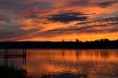 Un lever de soleil intéressant se lever pour ! Image stock