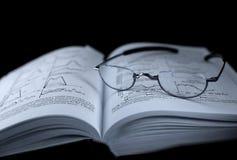 Un libro di medicina Fotografia Stock Libera da Diritti