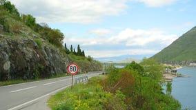 Un limite di velocità del ` del segnale stradale di 80 chilometri ` archivi video