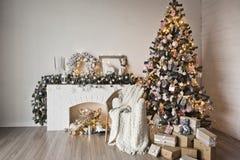 Un lugar acogedor para las sesiones fotográficas 9318 de la Navidad fotografía de archivo libre de regalías
