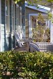 Un lugar agradable a sentarse con los vecinos Foto de archivo libre de regalías