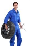 Un mécanicien de véhicule Images libres de droits