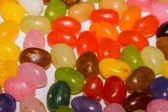 Un mélange de sucrerie colorée de dragées à la gelée de sucre Image libre de droits