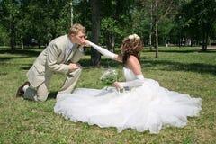 Un ménage marié neuf. photo libre de droits
