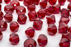 Un macro tir d'une collection de perles rouges Photographie stock