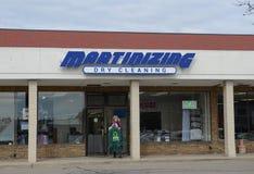 Un magasin est de Martinizing Ann Arbor d'heure Images libres de droits