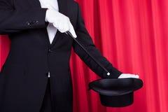 Un magicien dans un procès noir images libres de droits