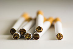 Un manojo de cigarrillos imagen de archivo