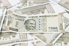 Un manojo de rupias indias fotos de archivo