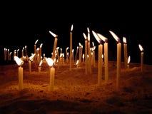 Un mar de velas Fotos de archivo libres de regalías