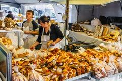 Un marché de nourriture fraîche au Portugal Photographie stock libre de droits