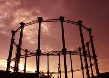 Un marco de acero de una torre del gas Imágenes de archivo libres de regalías