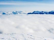 Un mare delle nuvole sulle alpi svizzere - 1 Fotografie Stock Libere da Diritti