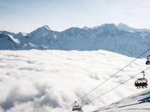Un mare delle nuvole sulle alpi svizzere - 3 Immagine Stock