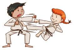 Un maschio e arti marziali facenti femminili royalty illustrazione gratis
