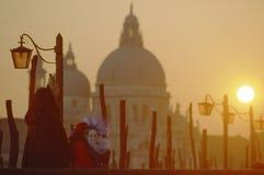 Un masque dans le carnaval de Venise Photographie stock